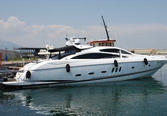 Dolce Vita III yacht charter Sunseeker Motor Yacht