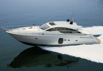 Splendid V yacht charter Pershing Motor Yacht