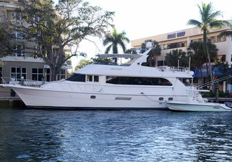 Seaclusion yacht charter Hatteras Motor Yacht