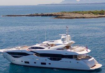 Fratelli yacht charter Sunseeker Motor Yacht