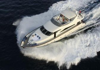 White Fang yacht charter Mochi Craft Motor Yacht