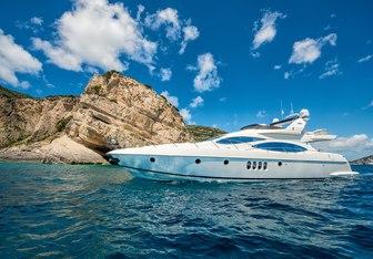 Manu yacht charter Azimut Motor Yacht