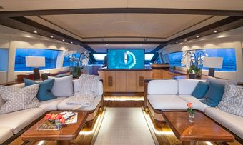 Free Spirit yacht charter lifestyle