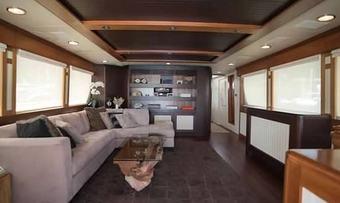 Mobjack yacht charter lifestyle
