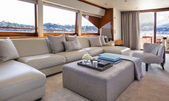 Apmonia yacht charter lifestyle