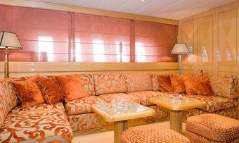 Minu Luisa yacht charter lifestyle