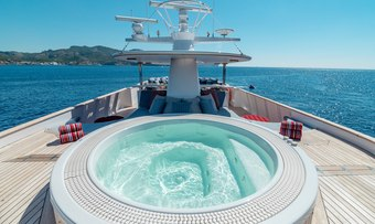 Chesella yacht charter lifestyle