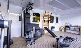 Broadwater yacht charter lifestyle