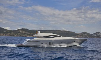 Danzas yacht charter Pershing Motor Yacht