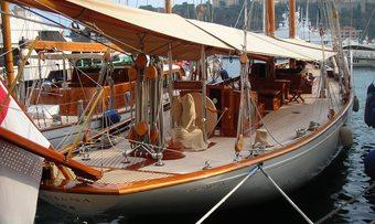 Doriana yacht charter lifestyle