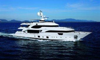 Lady MRD yacht charter lifestyle