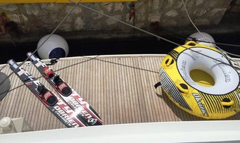 Albatros yacht charter lifestyle