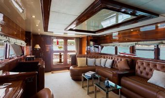Raymond Du Puy yacht charter lifestyle