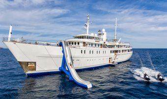 Sherakhan yacht charter Vuijk Scheepswerven Motor Yacht