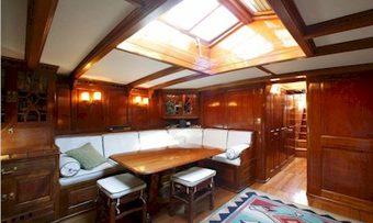 Moonbeam IV yacht charter lifestyle
