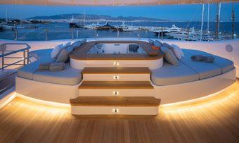 O'Pari yacht charter lifestyle