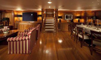 La Luna yacht charter lifestyle