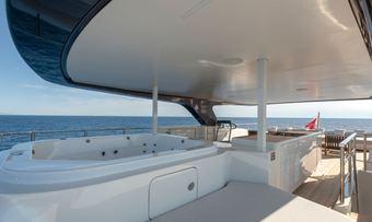 Drifter W yacht charter lifestyle