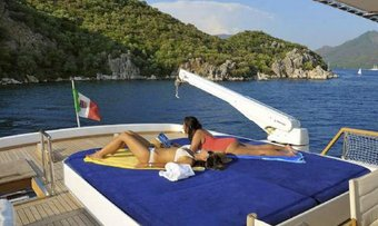 Blue Lady yacht charter lifestyle