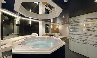 Yersin yacht charter lifestyle