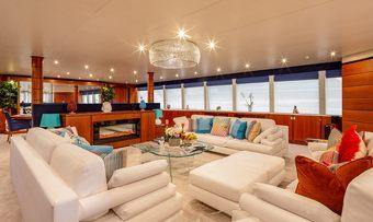 Lucy III yacht charter lifestyle