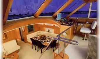 Taza Mas yacht charter lifestyle