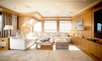 Oasis yacht charter lifestyle