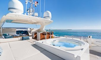 Amore Mio yacht charter lifestyle