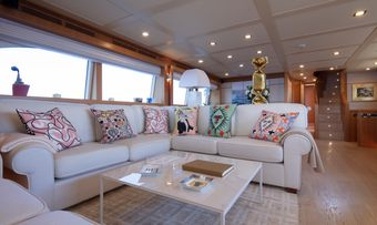 Best Off yacht charter lifestyle