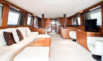 Alrisha yacht charter lifestyle