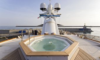 Legend yacht charter lifestyle