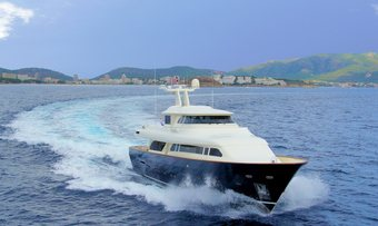 Vintage yacht charter lifestyle