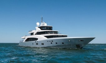 Belongers yacht charter Couach Motor Yacht