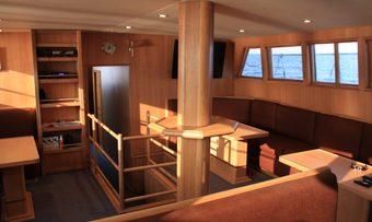 Iris PSI yacht charter lifestyle