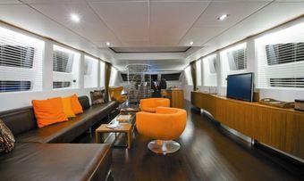 Ginevra yacht charter lifestyle