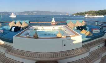 Cocoa Bean yacht charter lifestyle
