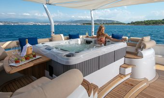 Luisa yacht charter lifestyle