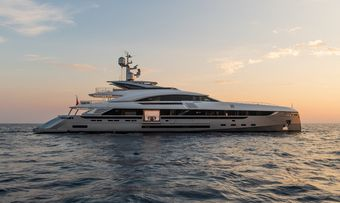 EIV yacht charter Rossinavi Motor Yacht