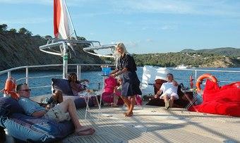 Dwinger yacht charter lifestyle