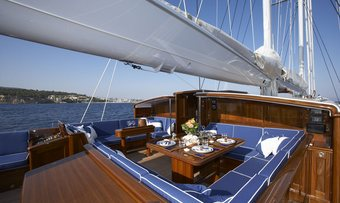 Meteor yacht charter lifestyle