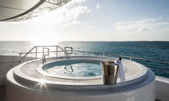 Home yacht charter lifestyle