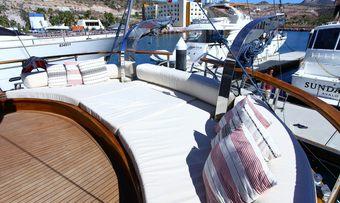 Besame Mucho yacht charter lifestyle