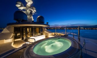 Romea yacht charter lifestyle