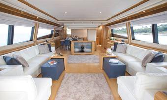 Porthos Sans Abri yacht charter lifestyle