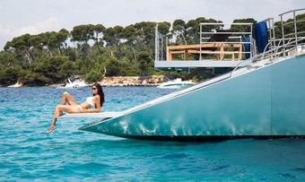 Huitane yacht charter lifestyle