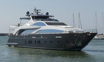 Tail Lights yacht charter Azimut Motor Yacht