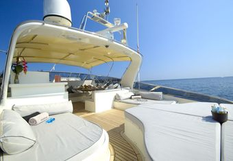 Diversion yacht charter lifestyle