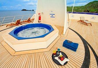 Ocean Spray yacht charter lifestyle