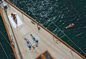 Gweilo yacht charter lifestyle