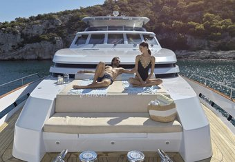 Mia Zoi yacht charter lifestyle